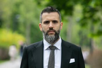 Влада захищає свої прибутки в офшорах, тим часом збільшуючи податки для звичайних українців, — Максим Нефьодов